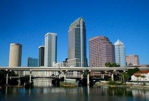 Como ir do aeroporto de Tampa para o centro da cidade